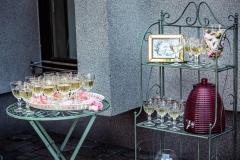 Vaišių - šampano staliukas po ceremonijos